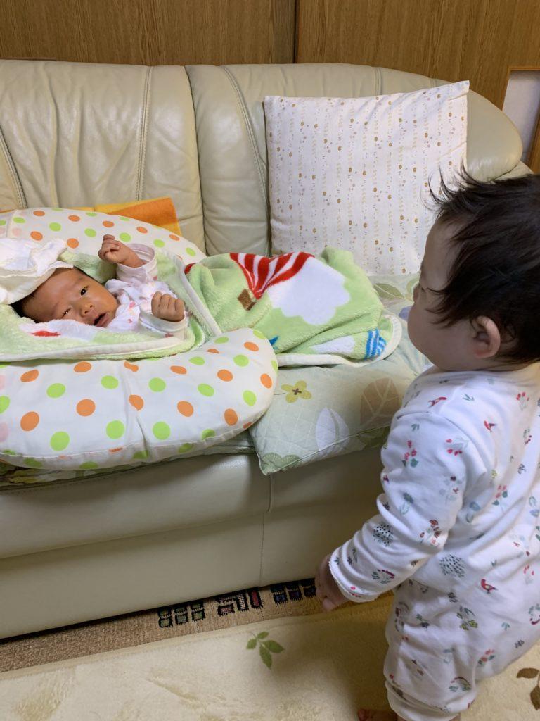赤ちゃんと赤ちゃん